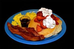 Strawberry-Pancakes-Combo